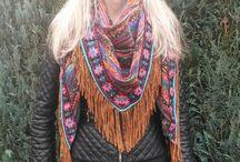 Fashion Finds / Op dit bord verzamelen we al onze Fashion Finds. Op dit moment zijn dat de hippe Ibiza sjaals, die ook als omslagdoeken te dragen zijn.