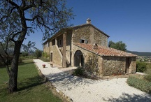 Casa Trasimeno_Umbria_Italy / Villa near Trasimeno Lake, located between Umbria and Tuscany, ideal for a stay in Italy. It's up to 12 + 2 guests.