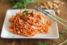 Oodles of Vegoodles! / Spiralized vegetable noodles