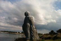 Statue face à la mer