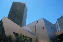 Las Vegas -- http://travelin-mate.com/Las_Vegas_E/Las_Vegas.html / Las Vegas attracts various people coming here for so many different reasons. From partying over gambling to sightseeing, spots and shopping you will be spoilt for choice...  Read more @: http://travelin-mate.com/Las_Vegas_E/Las_Vegas.html