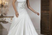 Wedding ideas :) / by Kelli Sobczak