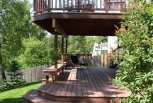 Balconies. / Outdoor decking Inspiration and examples of how are Non slip timber decking has been used on balcony spaces.
