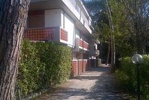 Rif. VE02 Vendita appartamento Ronchi con giardino 2 passo dal mare / http://www.immobiliareballoni.it/vendite/appartamenti-in-vendita-a-marina-di-massa-con-giardino-a-ronchi/ Composto da soggiorno con angolo cottura, ripostiglio, camera matrimoniale, cameretta, bagno, veranda e posto auto condominiale. Ideale come casa vacanza per la vicinanza alla spiaggia e a tutti i servizi.