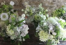 Wedding Flowers Look Book 2017 - Common Farm Flowers / If you're a bride looking for beautiful British grown eco flowers for your wedding then here's where to start your research! Enjoy our look book of wedding flowers, all created at Common Farm Flowers from English grown flowers (many cut fresh from our farm the day we arrange them.) To discuss your wedding flowers please call Georgie on 01963 32883.