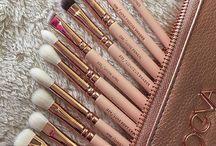 Brushes ].