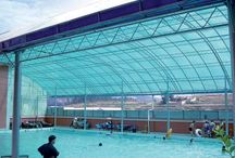 Lexan Modular Polycarbonate Panels / Lexan Modular Polycarbonate Panels is designed with UV protection shield used for roofing, vertical façade and northlight. Providing the quality flexibility and durability, comes with accessories of polycarbonate connector, end cap, steel clit and aluminum U-profile.