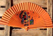 Abanicos de colores y Paraguas