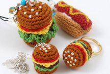 Hamburgers +Pizza