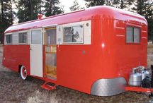 Vintage Travel Trailers / Adorable vintage travel trailers from another era.