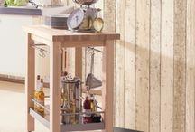 Holztapeten | Tapeten in Holzoptik / Holzpaneele und Holzplanken im rustikalem oder modernem Stil. Die täuschend echten Nachbildungen von Maserungsstrukturen geben diesen Holz-Optik Tapeten einen realistischen Touch.Verwitterte Holz-Optik, moderne Holzmustern, Holzdarstellungen im Vintage-Stil. #holztapete #vintage #interior #interiordesign #wallpaper #woodwallpaper #wood #holzoptik