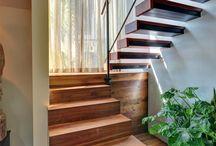 escadas flutuantes