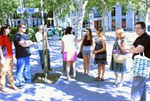 Visita a la bolsa de Madrid / Conocimos el interior de unos de los edificios más emblemáticos de la capital de España. EL EDIFICIO DE LA BOLSA DE MADRID En boca de todo el mundo, medios de comunicación, abogados, inversores, economistas… Funcionario sordo y ciego, te ofrecerá su histórico interior. No te asustes, no receles. AUNQUE SEA LA ÚNICA BOLSA DEL MUNDO ABANDONADA POR SUS TRABAJADORES