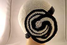 Filati e ceramica Raku / Quando la Ceramica Raku incontra la lana...http://www.forgiatoredielementi.it/gallery-container.php?type=filati-e-ceramica