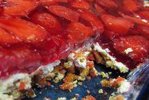 Desserts / by Phyllis Hamner