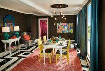 couleurs vives contrastes salon / Couleurs vives et contrastes dans le salon, l'architecte d'intérieur vous fait decouvrir un univers contrasté et dynamique.Découvrez nos projets: http://www.e-interiorconcept.com