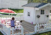 girls outdoor playhouse