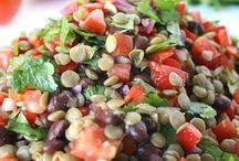 SALAD RECIPES / Fresh veggies, crisp fruit, leafy greens...the best pins to prove salads aren't boring!    healthy recipes, salad, vegetables, fresh greens, bowls, vegetarian, lunch recipes, dinner recipes