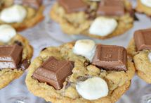 S'mores mmmmm / All of my favorite s'more recipes and ideas.  / by Janet Thaeler