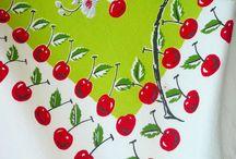 Vintage Tablecloths & Aprons / Love retro tablecloths!