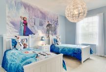 The Best of Frozen / Beautiful Frozen ideas for anyone that loves Disney's Frozen movie. Visit Kids Bedding Dreams for Frozen bedding to create an incredible Frozen bedroom theme for your child. www.kidsbeddingdreams.com/frozen-bedding