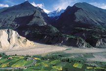 SILK ROAD: HUNZA TO SAMARKAND / Cultural tour of Pakistan, China, Kyrgyzstan & Uzbekistan