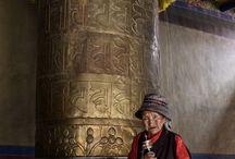 Viajando por el Tibet / Un recorrido desde Lhasa a Katmandu, pasando por algunos de los monasterios más significativos.