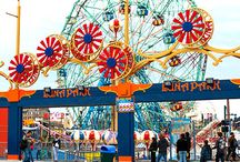 NY Amusements and Water Parks / Family amusements await you all over New York at these great theme parks, water parks, and more.