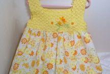sarı çiçekli elbise