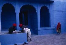 Colores de Rajastan / Colores de Rajastán es un itinerario panorámico que incluye las más importantes ciudades de viajes al norte de la India centrándose en la provincia de Rajastán incluyendo viaje a Taj Mahal.   En este viaje conocerás las ciudades más coloridas y famosas de la India: Jaipur,  la ciudad rosada con paseo en elefante, el desierto de Tar, la ciudad de lagos Udaipur, el único templo de Brama (Dios de la creación) y el magnífico Taj Mahal.