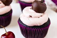 CuppyCakes / Awesome recipes. No one holding a cupcake is sad. / by Cat Thompson