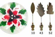 Zselatin virágok és segéd eszközök a készítéshez.