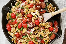 One Pot Meals / Get your fill of dinner, not the dishes! These one-pot meals are a quick, easy and delicious way to make the most of your meal and your time.
