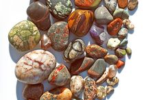 Pretty Rocks / Gemstones of all shapes and sizes.