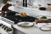 Collections / The William Edwards name is now synonymous with the finest bone china ware in the world and now we are pleased to give you the opportunity to share the quality of our pieces in your own home.