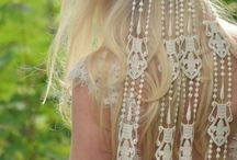 BOHO WEDDING DRESSES / Styling weddings is a style wedding resource devoted to the modern bride. We cover everything from gorgeous and glamour.