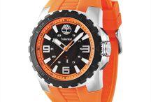 Accesorios moda hombre / Relojes, cinturones, gafas de sol, y accesorios de moda en general para un hombre moderno y divertido.