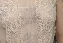Dresses & Haute Couture