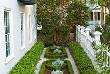 Small gardens lawns and patios / Gardens and patios