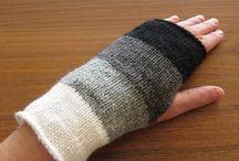 Knit women's accessories
