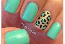 nails / by Jannette Leon