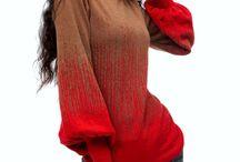 Blusa Artka Jackquard Gradiente / Gola Olímpica Mangas bufantes compridas  Tecido: Lã Marca: Artka - Original Composição poliester, acrílico e algodão. Estilo retro Decote duplo Cor: marrom e vermelho Cor natural (sem tingimento) Tamanho: M   Medidas: Busto: 82cm Ombro: 35cm Biceps: 40 cm Cintura: 72 cm Comprimento: 61 cm Comprimento da manga: 61cm