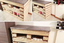 lavori artigianali / Creiamo mobili da interno con uso di materiali reciclati (bancali, scatole vino in legno, ecc.)