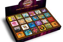 Chocolips MINI / Chocolips MINI is a 25 g milk chocolate bar with 24 different funny design. A Chocolips MINI egy 25 g-os ajándék csokoládé, amely 24 különböző vidám grafikával kapható.