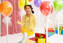 Balloons / Decorate and make with balloons.