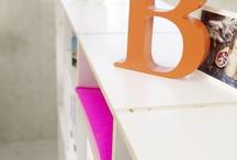 Raumteiler // Partition shelves / Das regalsystem rio bietet Flexibilität in Formvollendung. Dank seiner ausgezeichneten Standfestigkeit und der enormen Stabilität können unsere Regalsysteme freistehend als Raumteiler eingesetzt werden. Die Konstruktion erlaubt Ihnen die Rückwand auch als Blende einzusetzen, sodass Sie von beiden Seiten des Regals archivieren können.
