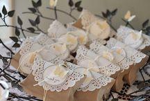 Baker Twine / Um cordãozinho tão fininho, o Baker Twine  faz toda a diferença na sua festa ou nos seus presentes! Use sem moderação!