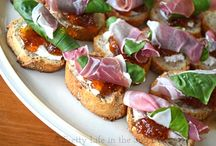 Goat Cheese / Prosciutto, Basil, Fig Jam & Goat Cheese Crostinis | A great no-bake, 5 minute holiday appetizer!