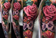 Tatuaje de mangas de flores