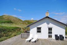 Neue Ferienhäuser an der Nordsee in Dänemark / Jedes Jahr bemühen wir uns um weitere ausgewählte Ferienhäuser vom hygge Sommerhaus bis hin zum luxuriösen Poolhaus. Hier findet Ihr eine Auswahl an neuen Ferienhäusern an der dänsichen Nordsee und am Ringkobing Fjord.